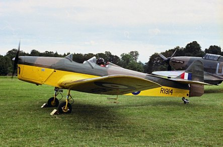 1939 Miles M14A Hawk Trainer III (Magister) - 5