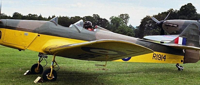 RAF train Airplane of II Wolrd War to be sold at Bonhams Bond StreetSale