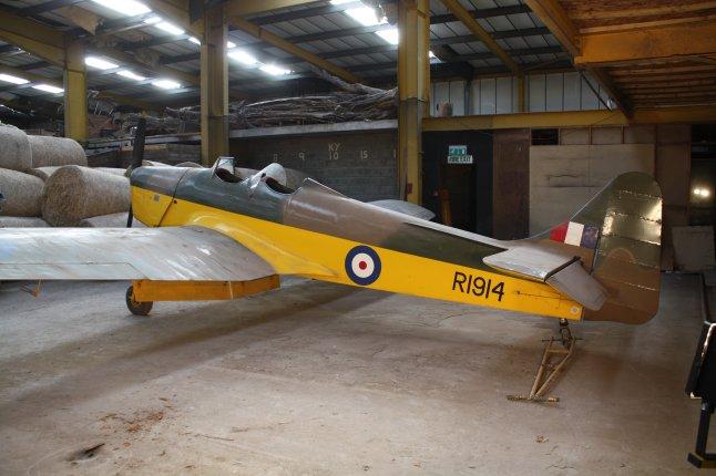 1939 Miles M14A Hawk Trainer III (Magister) - 9