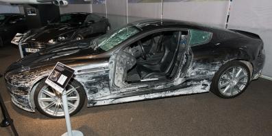 Aston Martin danneggiata nell'incidente durante le riprese sul Lago di Garda