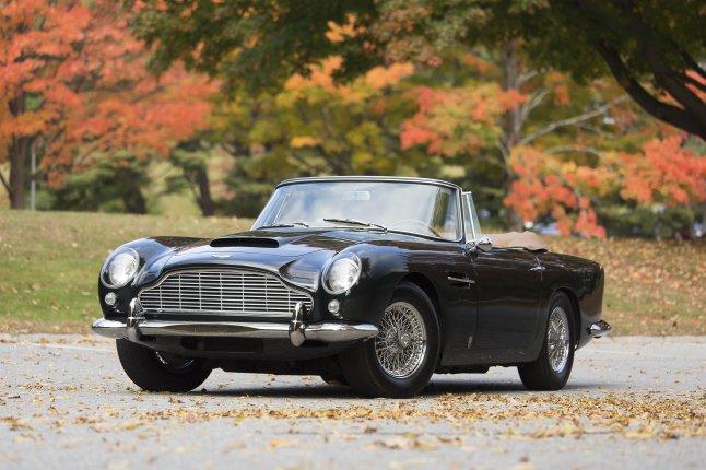 1965 Aston Martin DB5 Convertible -1