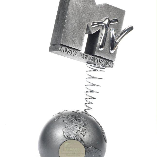 LOT 97- AN MTV EUROPE MUSIC AWARD,